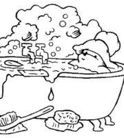 Desenho de Ursinho na banheira para colorir